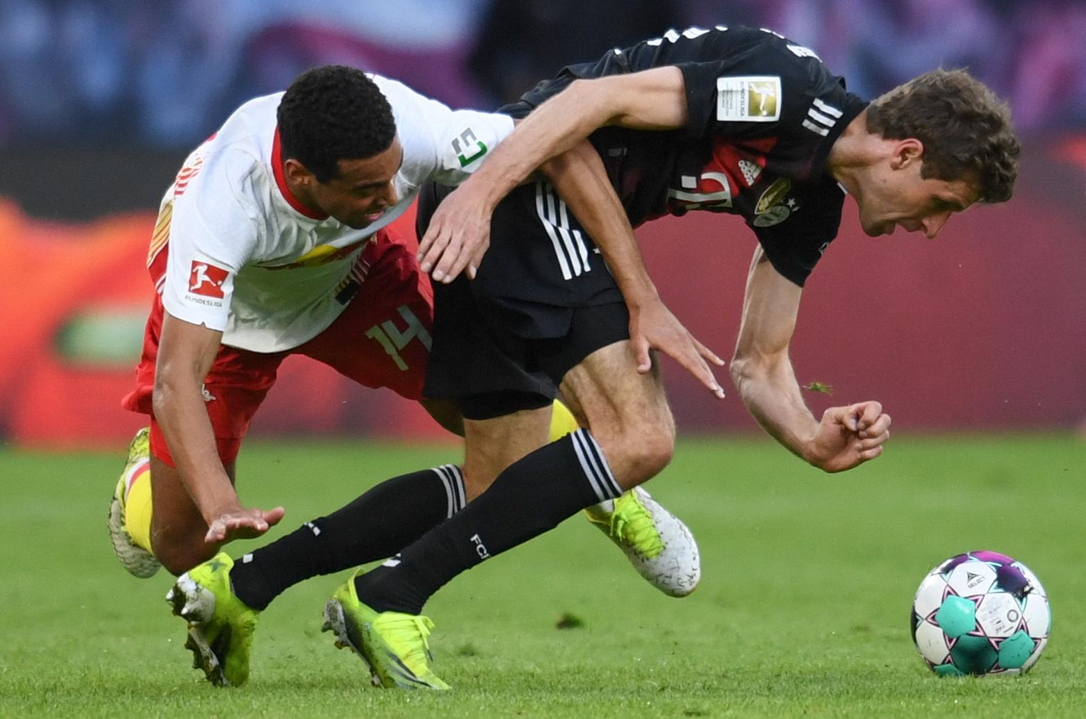 """组图:德甲法甲""""榜首之争""""拜仁和里尔胜出"""